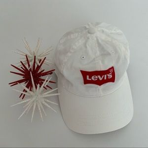 LEVI'S STRAUSS & CO Classic White/Red Cotton Hat